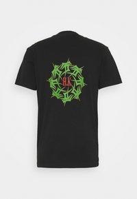 Han Kjøbenhavn - ARTWORK TEE - Print T-shirt - faded black - 6