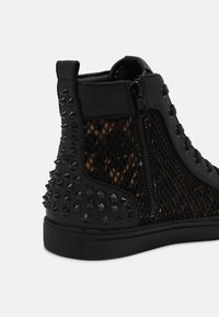 Steve Madden - CHAOTIC - High-top trainers - leo - 6