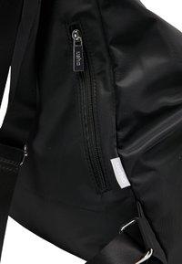 usha - Batoh - black - 4
