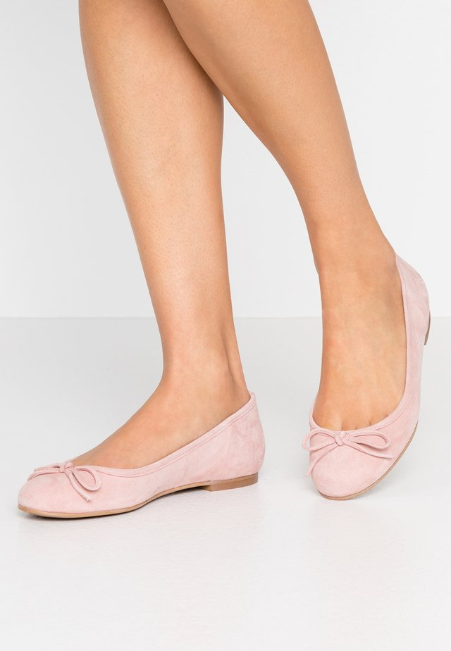 WIDE FIT CARLA - Ballet pumps - nude