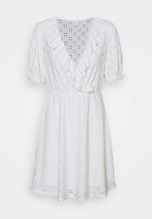 VITRESSY WRAP DRESS - Day dress - cloud dancer