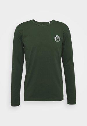 LOCUST BIG BACK PRINT LONG SLEEVE - Long sleeved top - green