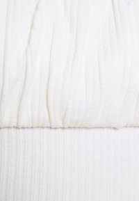 Glamorous Petite - RUCHEL PANEL LONG SLEEVE TOP - Long sleeved top - off white - 2