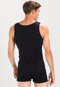 Zalando Essentials - 3 PACK - Undershirt - black - 2