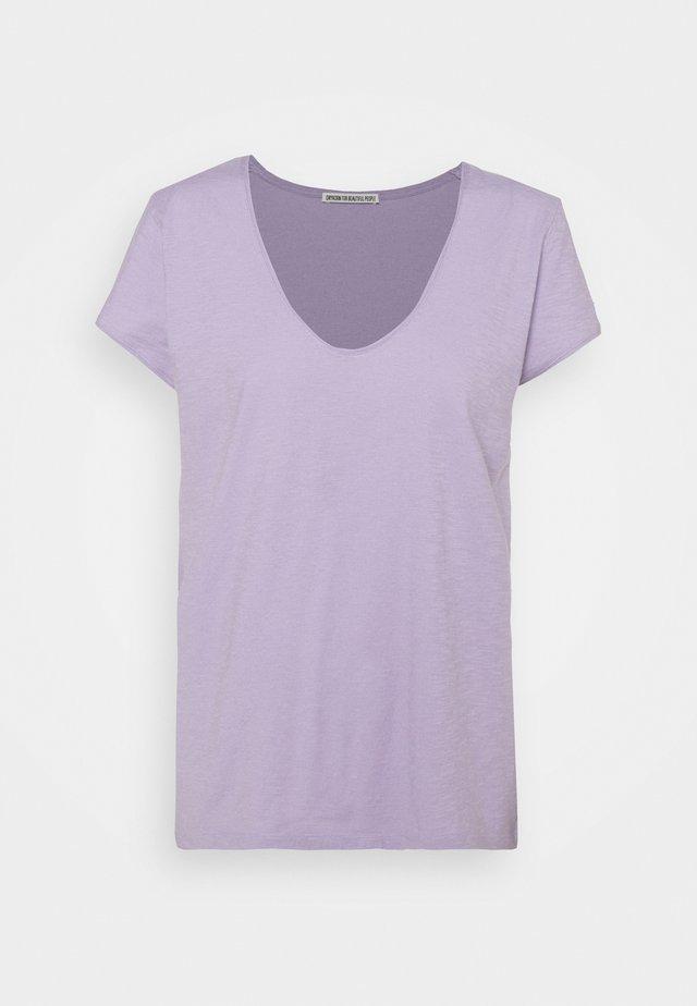 AVIVI - Jednoduché triko - lila