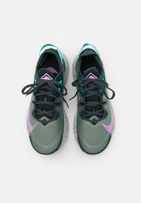 Nike Performance - PEGASUS TRAIL 2 - Zapatillas de trail running - seaweed/beyond pink/spiral sage/dark atomic teal/aurora green/light silver - 3