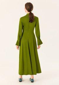 IVY & OAK - MIT BINDESCHLEIFE - Maxi dress - irish green - 2