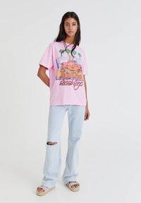 PULL&BEAR - Print T-shirt - pink - 1