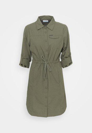 SILVER RIDGE™ NOVELTY DRESS - Jurken - stone green