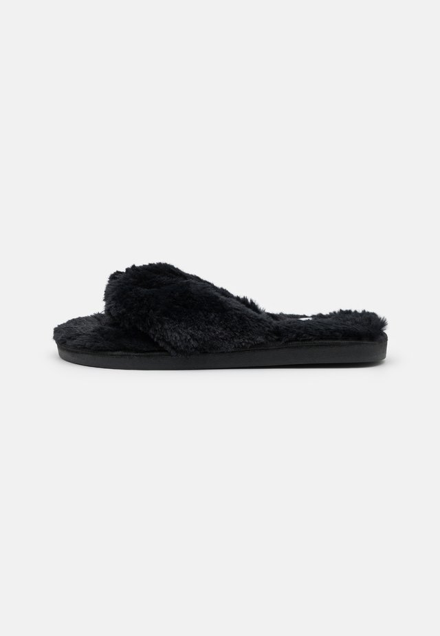 WIDE FIT LEONORA - Chaussons - black