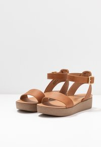 New Look - GENIUS - Sandalias con plataforma - tan - 4