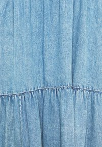 Kaffe - KAMARIE DRESS - Denimové šaty - washed denim - 2