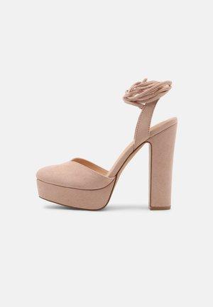Platform heels - pink