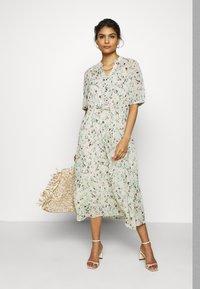 Moss Copenhagen - BLOSSOM ROSALIE DRESS - Kjole - ecru - 1