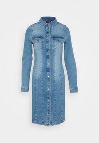 Vero Moda - VMAVIIS STITCH DRESS - Vestito di jeans - medium blue denim - 0