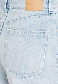 Weekday - MEG HIGH MOM WASHED BACK - Jeans straight leg - morning blue - 5