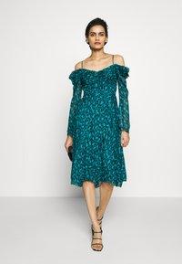 Diane von Furstenberg - LILITH - Vapaa-ajan mekko - green - 1