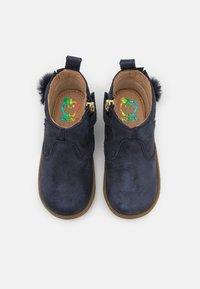 Shoo Pom - BOUBA PIMPIN - Classic ankle boots - blue/platine - 3
