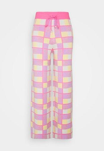 ISOBEL - Teplákové kalhoty - pink