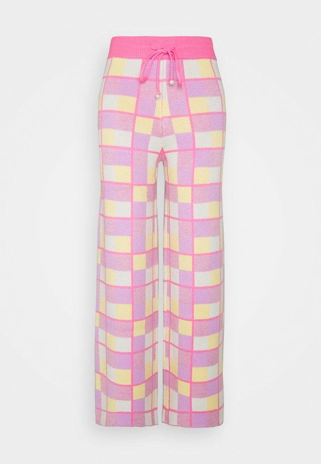 ISOBEL - Tracksuit bottoms - pink