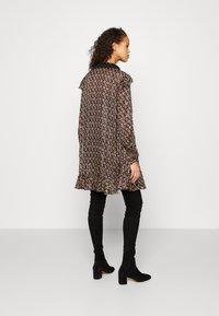 maje - RINETTE - Denní šaty - noir - 2
