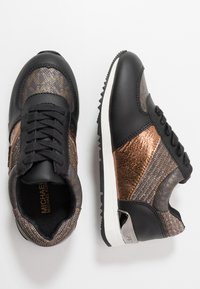 MICHAEL Michael Kors - ZIA ALLIE JETTE - Sneakers laag - brown - 0