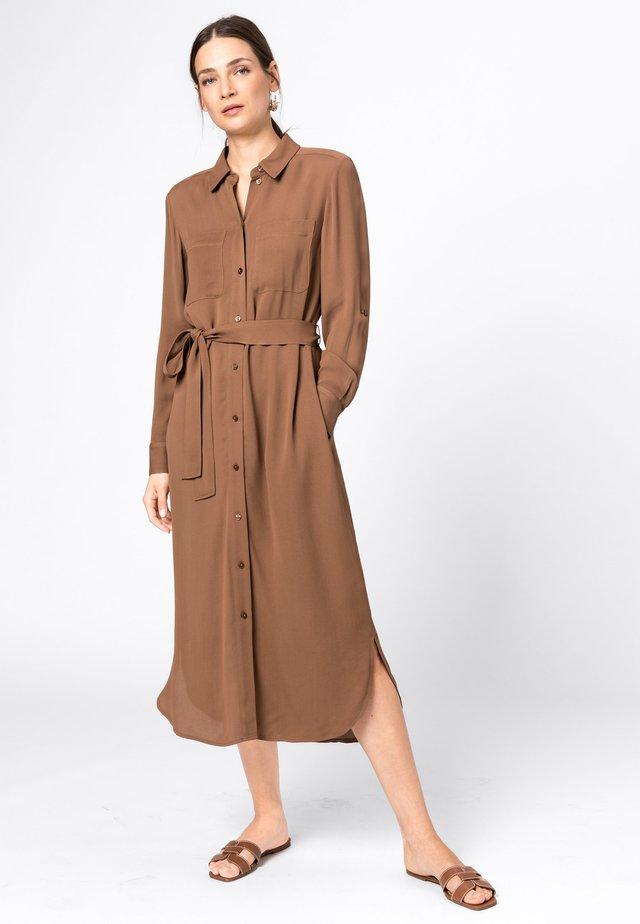 Robe chemise - noisette