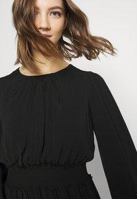 Forever New - JESSICA LONG SLEEVE SMOCK DRESS - Day dress - black - 3