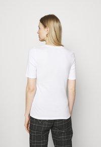 Marks & Spencer London - 2 PACK - Jednoduché triko - white/black - 2