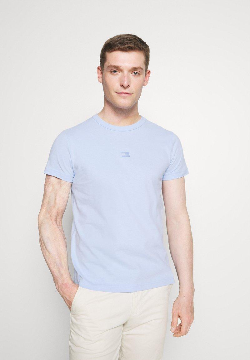 Tommy Hilfiger - TEE - Jednoduché triko - sweet blue
