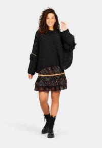 Isla Ibiza Bonita - A-line skirt - aztek print - black - 1