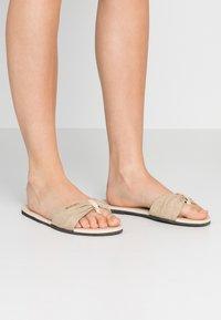 Havaianas - YOU TROPEZ - Pantofle - beige - 0