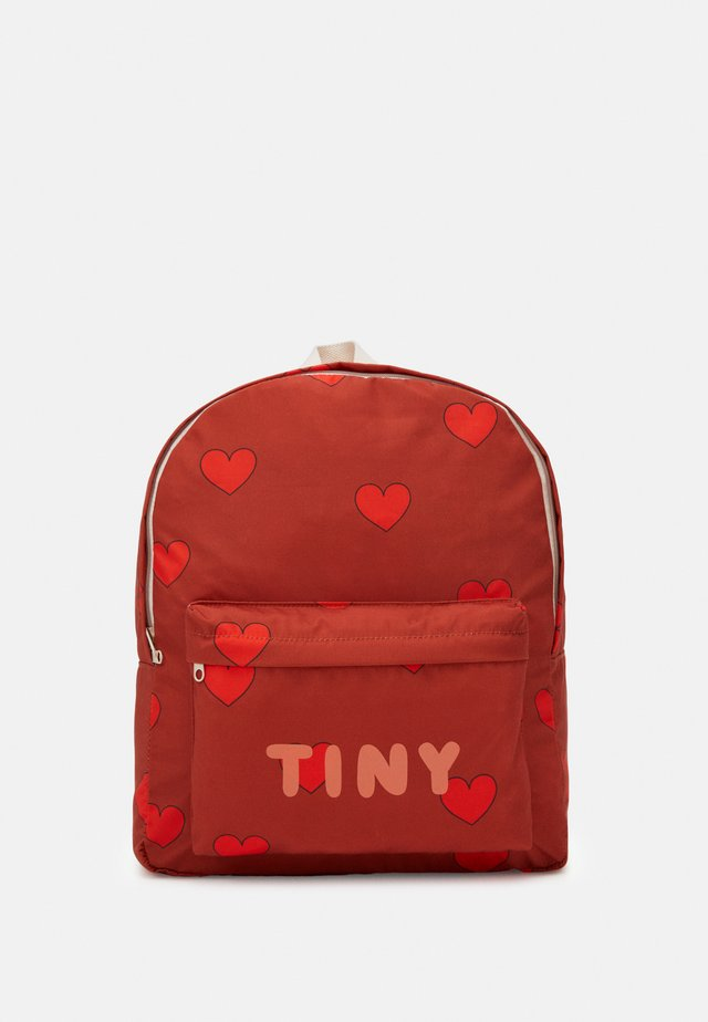 HEARTS BIG BACKPACK - Tagesrucksack - sienna/red