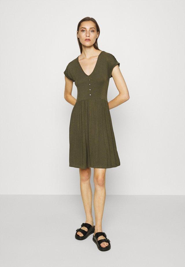 Sukienka z dżerseju - olive night