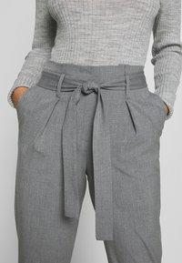 ONLY Petite - ONLNICOLE PAPERBAG ANKEL PANTS - Kalhoty - light grey melange - 4