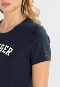 Tommy Hilfiger - TEE - Pyjama top - blue - 3