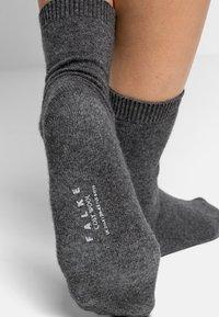 FALKE - COSY WOOL - Socks - light grey mel - 3