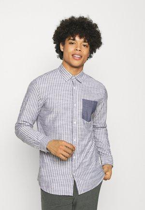 JJCOLIN PATCH PLAIN - Camicia - navy blazer