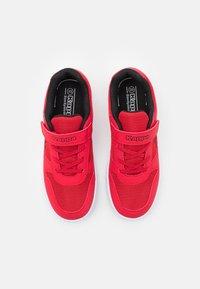 Kappa - UNISEX - Sportovní boty - red/black - 3
