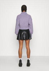 Even&Odd - Mini PU Leather A-line skirt - Jupe trapèze - black - 2