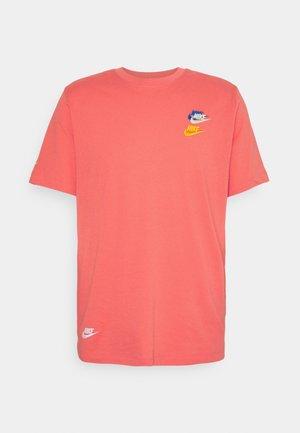 TEE CLUB ESSENTIALS - T-shirt med print - magic ember