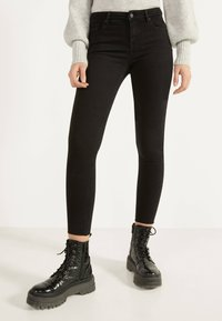 Bershka - PUSH UP - Jeans Skinny Fit - black - 0