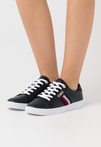 Tommy Hilfiger - LACE UP  - Trainers - desert sky - 0