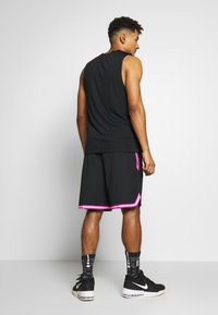 Nike Performance - NBA SHORT DNA - Krótkie spodenki sportowe - black/laser fuchsia/white - 2