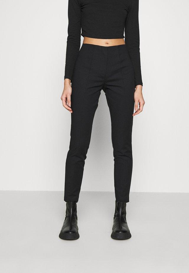 ONLADELA BERIT SLIM PANT - Pantaloni - black