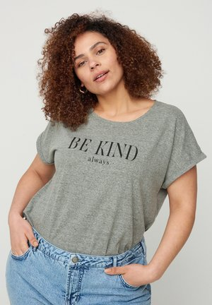Print T-shirt - balsam green be kind