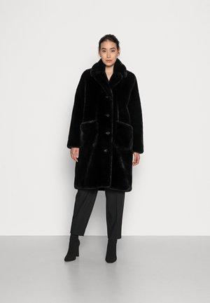 STACY - Zimní kabát - black