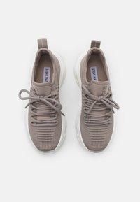 Steve Madden - Sneaker low - taupe - 5