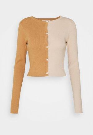 COLOUR BLOCK - Cardigan - burnt rust beige