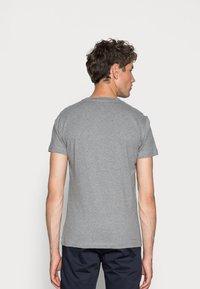 Calvin Klein Jeans - ICONIC MONOGRAM SLIM TEE - T-shirt med print - heather grey - 2